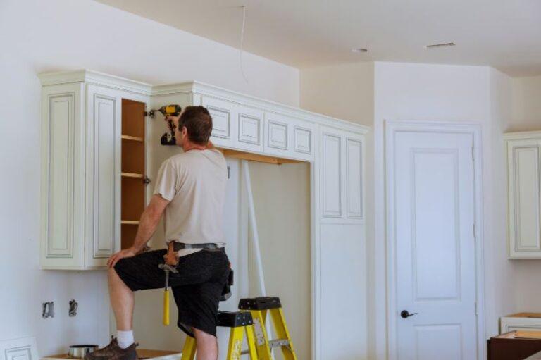 4 Factors to Consider When Replacing Kitchen Doors