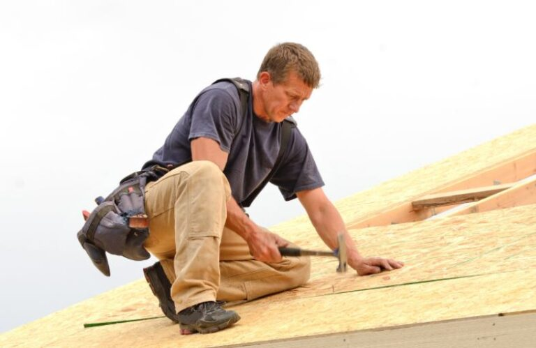 The Advantages of Hiring a Professional Roofing Contractor